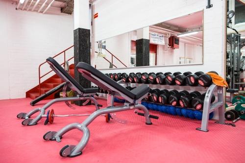 fitness-krafttraining-kurzhantel